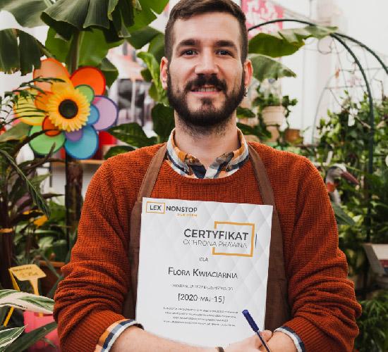 Przedsiębiorca z certyfikatem lexnonstop 5
