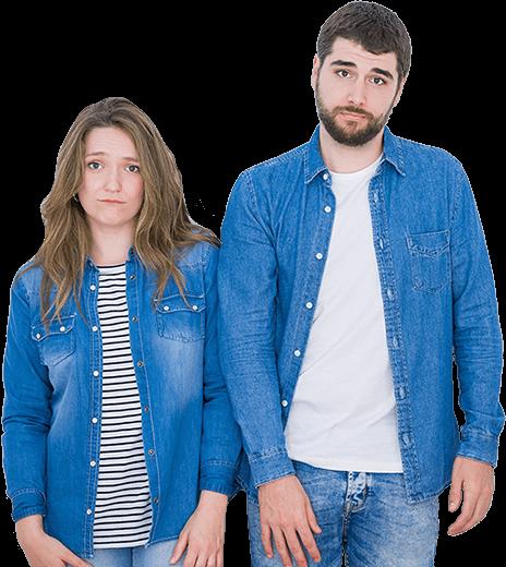 Smutna para w dżinsowych koszulach